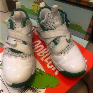 LEBRON SoLdier XII 10.5c with box